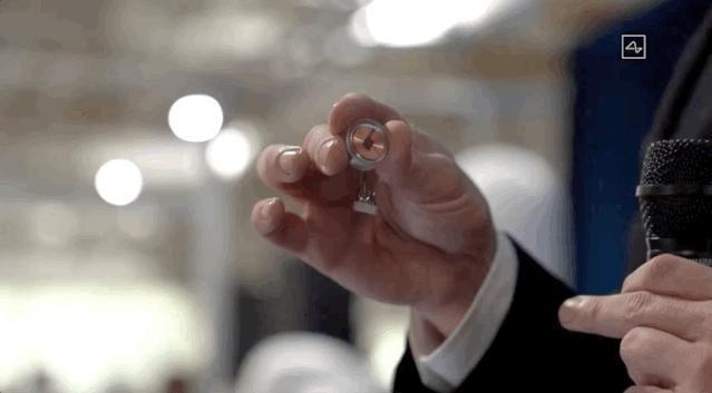 人脑 马斯克发布脑机接口:Neuralink无损植入猪脑,下一步植入人脑