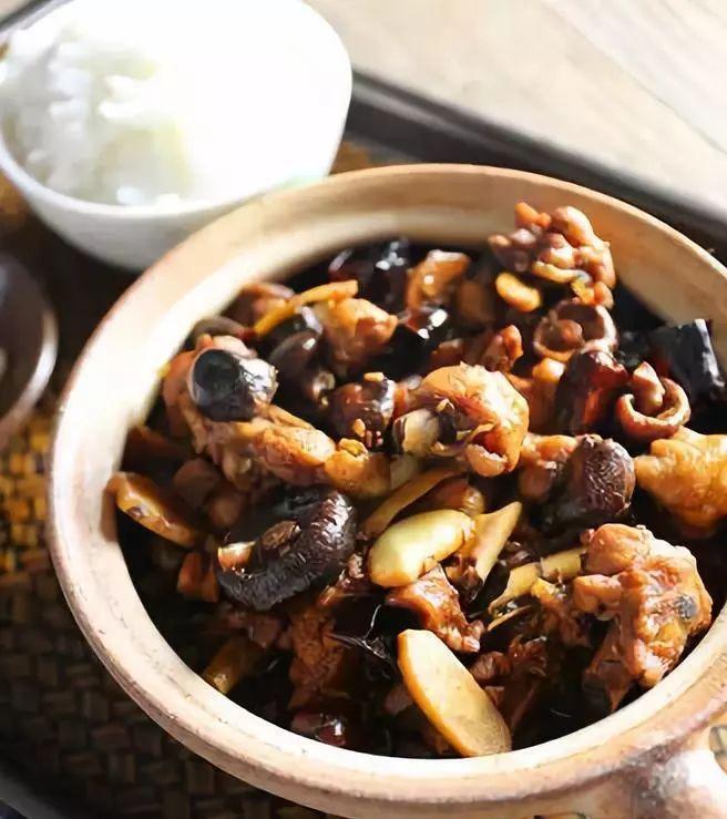 米饭|这样做的黄焖鸡,每天吃都不腻,特别下米饭