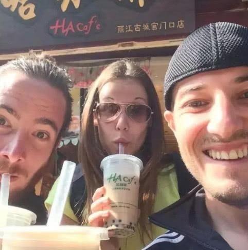 『美国』美国人在中国喝奶茶,最爱这四家,星巴克落榜,你爱喝的竟全在内