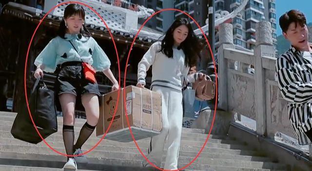 黄晓明|《中餐厅》首播黄晓明热到脱妆,赵丽颖衣服却抢镜,我没看错吧?